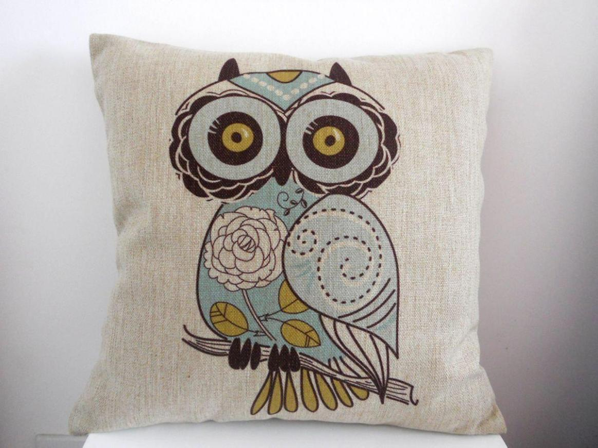 Image of: Owl Toss Pillows