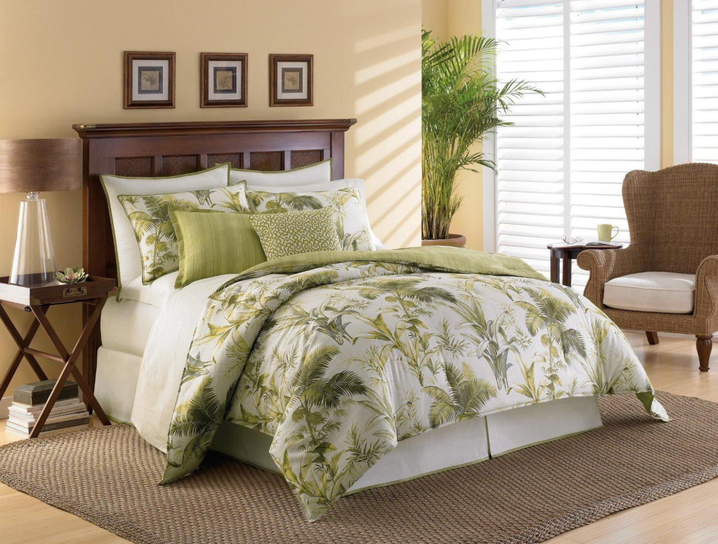 Image of: Palm Tree Bedspread Sets