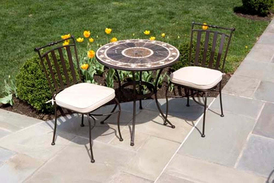 Image of: Patio Bistro Sets Bar Heights