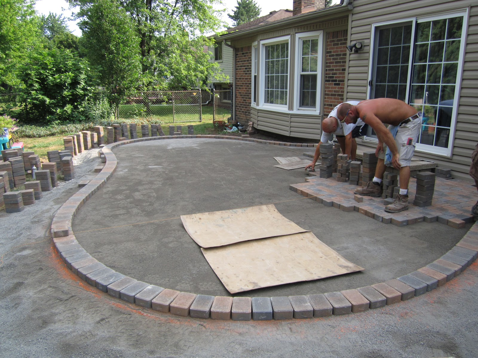 Image of: Patio Bricks Patterns Installation