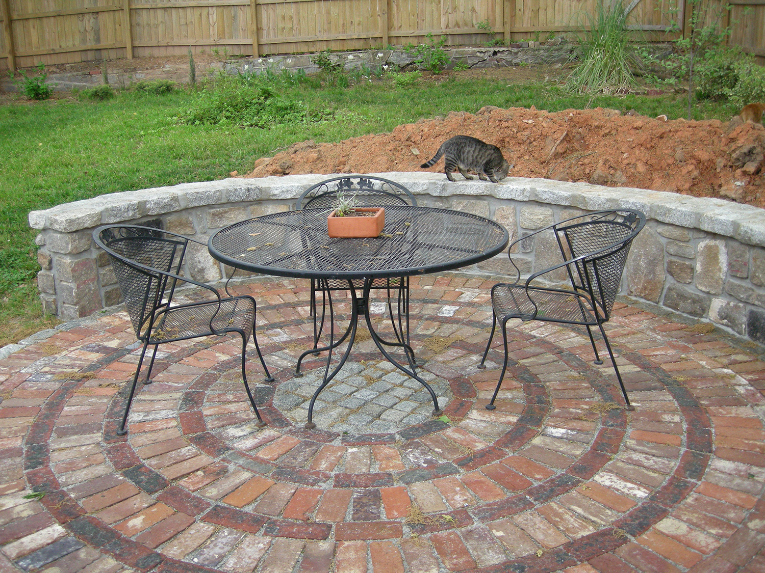 Image of: Patio Bricks for Backyard