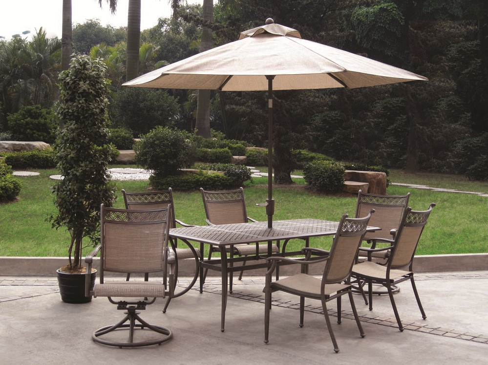 Image of: Patio Dining Set with Umbrella Size