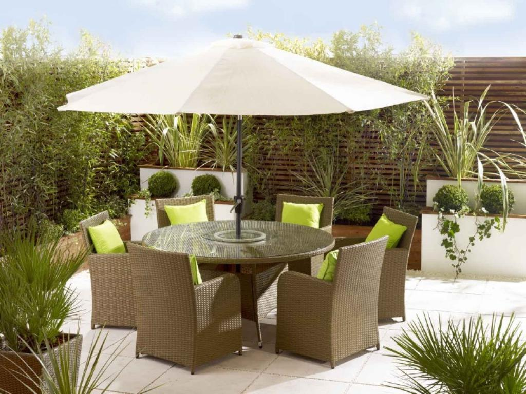 Image of: Patio Furniture with Umbrella Fabric