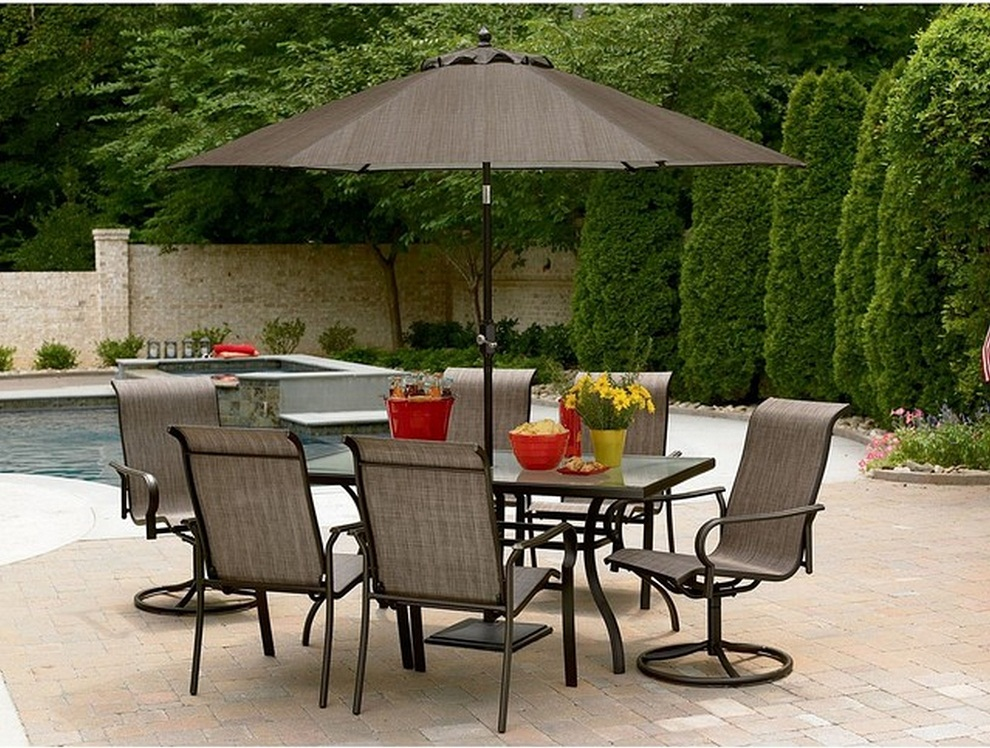 Image of: Patio Furniture with Umbrella Table