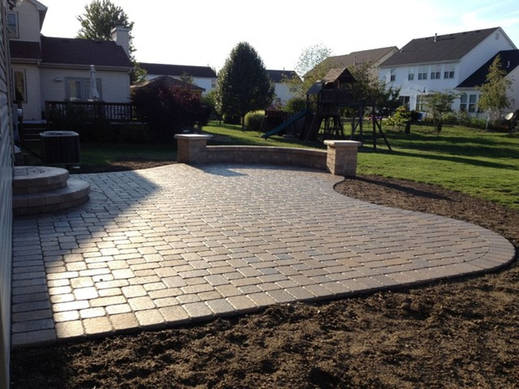 Image of: Paver Patio Designs Patterns