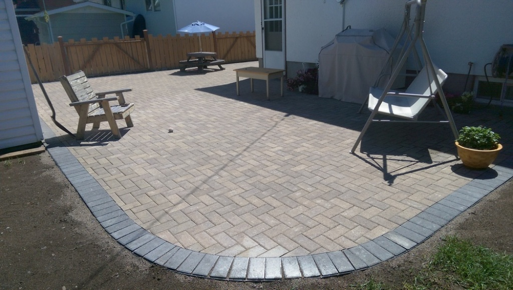 Image of: Paver Patio Designs Picture Gallery