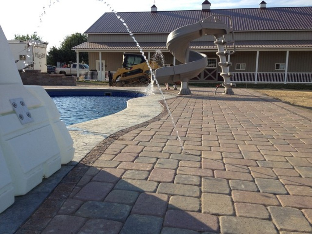 Image of: Paver Patio Designs With Fire Pit