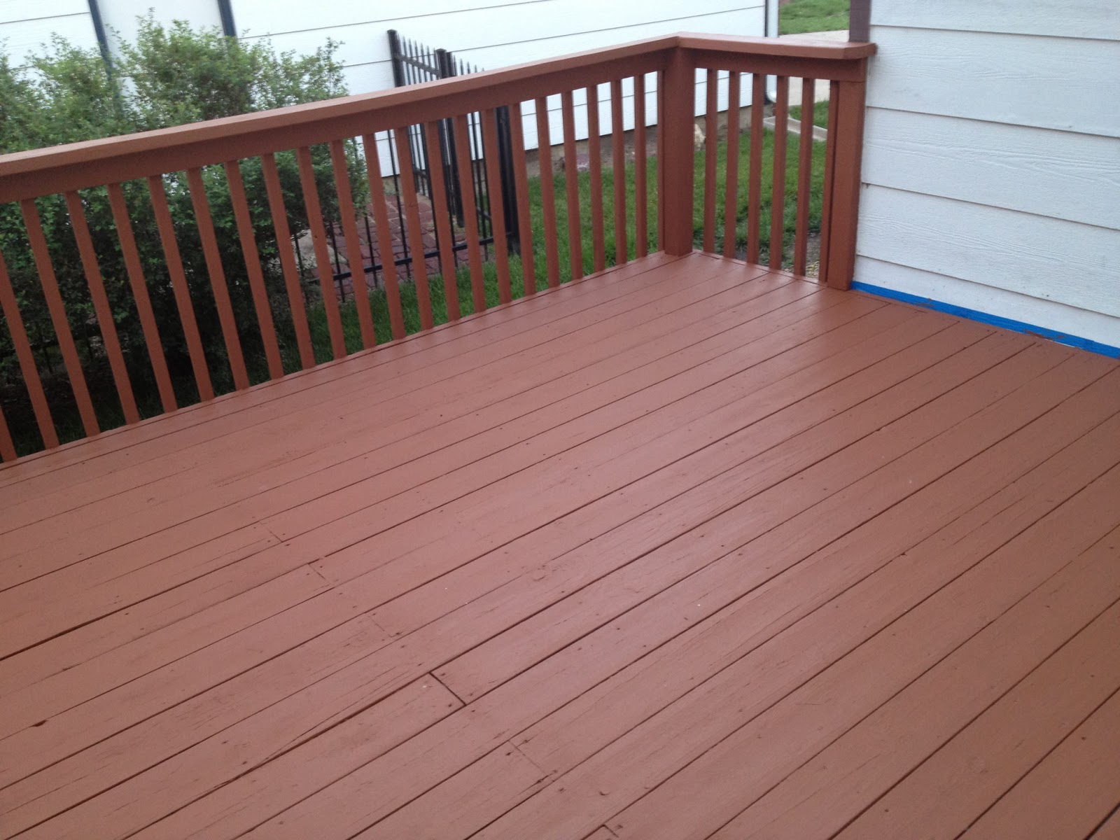 Image of: Perfect Solid Deck Stain