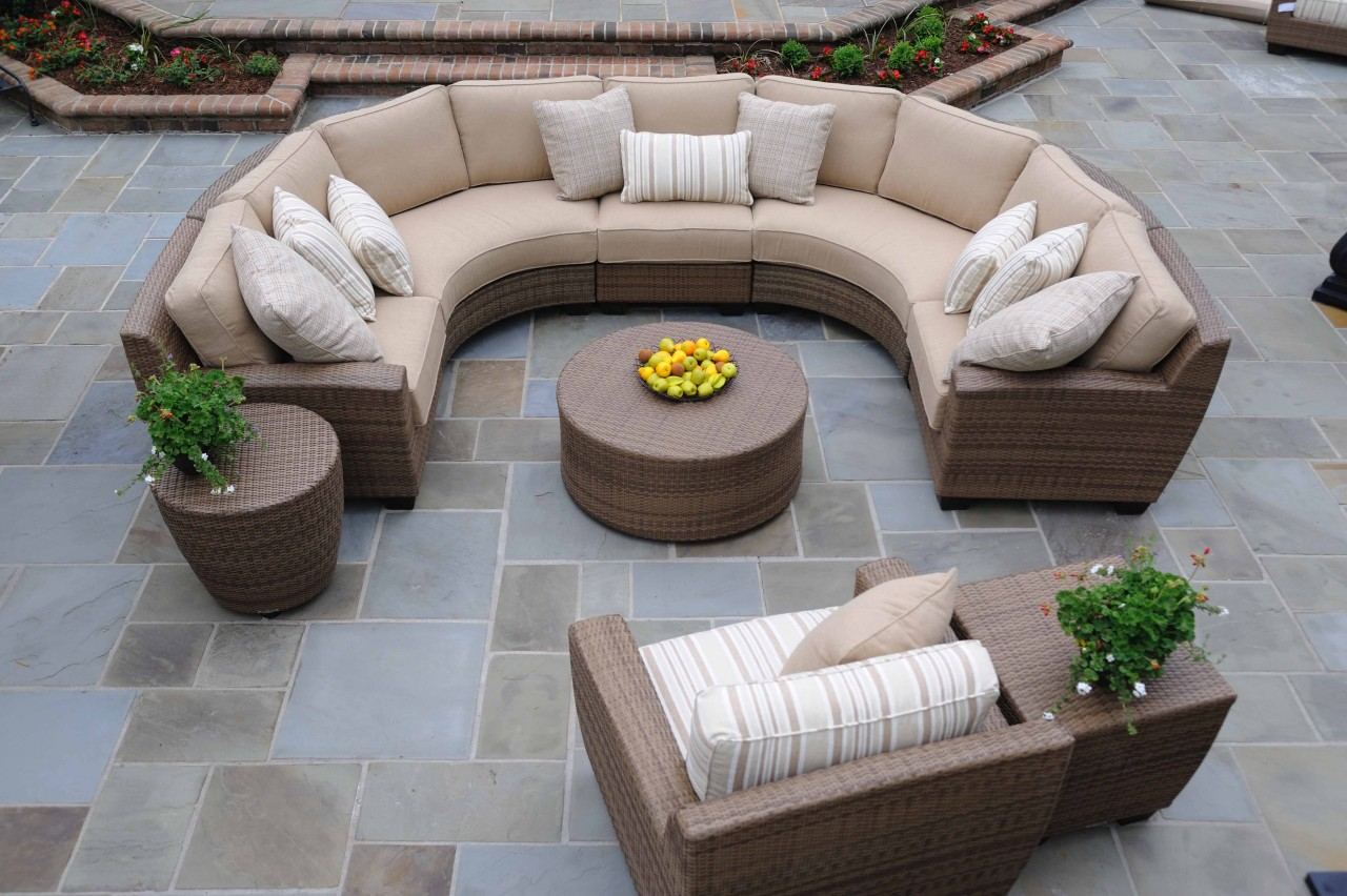 Image of: Picture of Outdoor Sectional Furniture