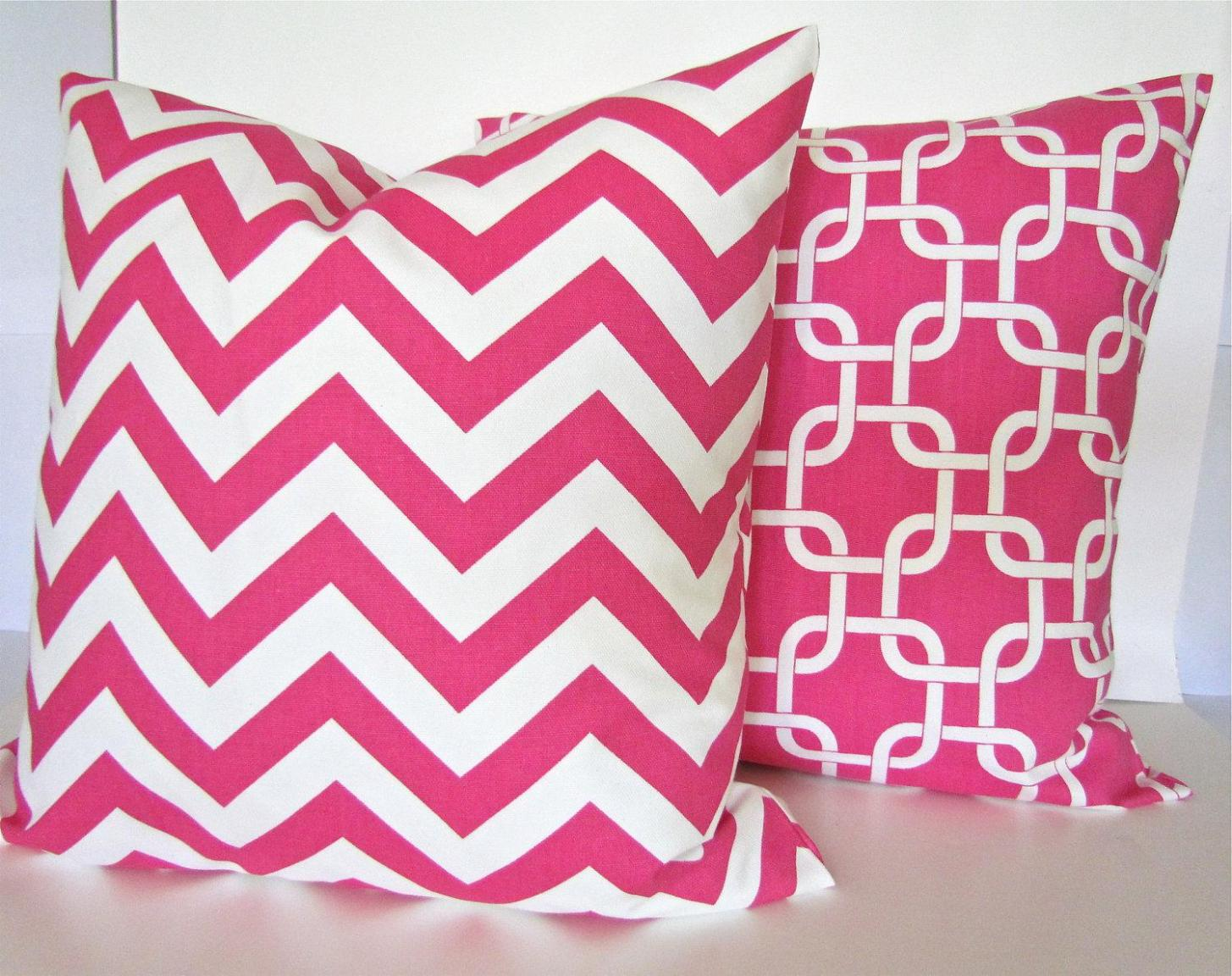 Image of: Pink Toss Pillows