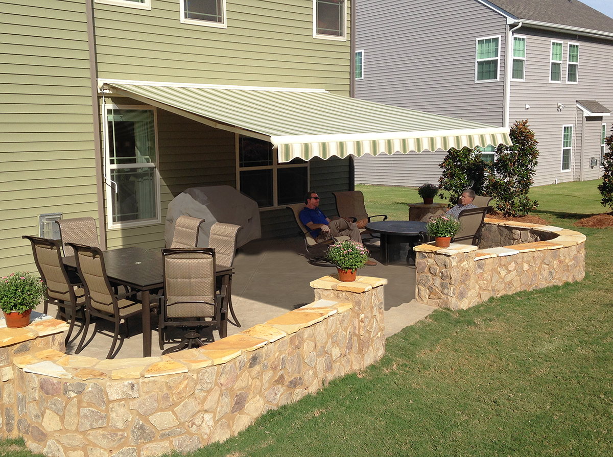 Image of: Popular Retractable Deck Awnings