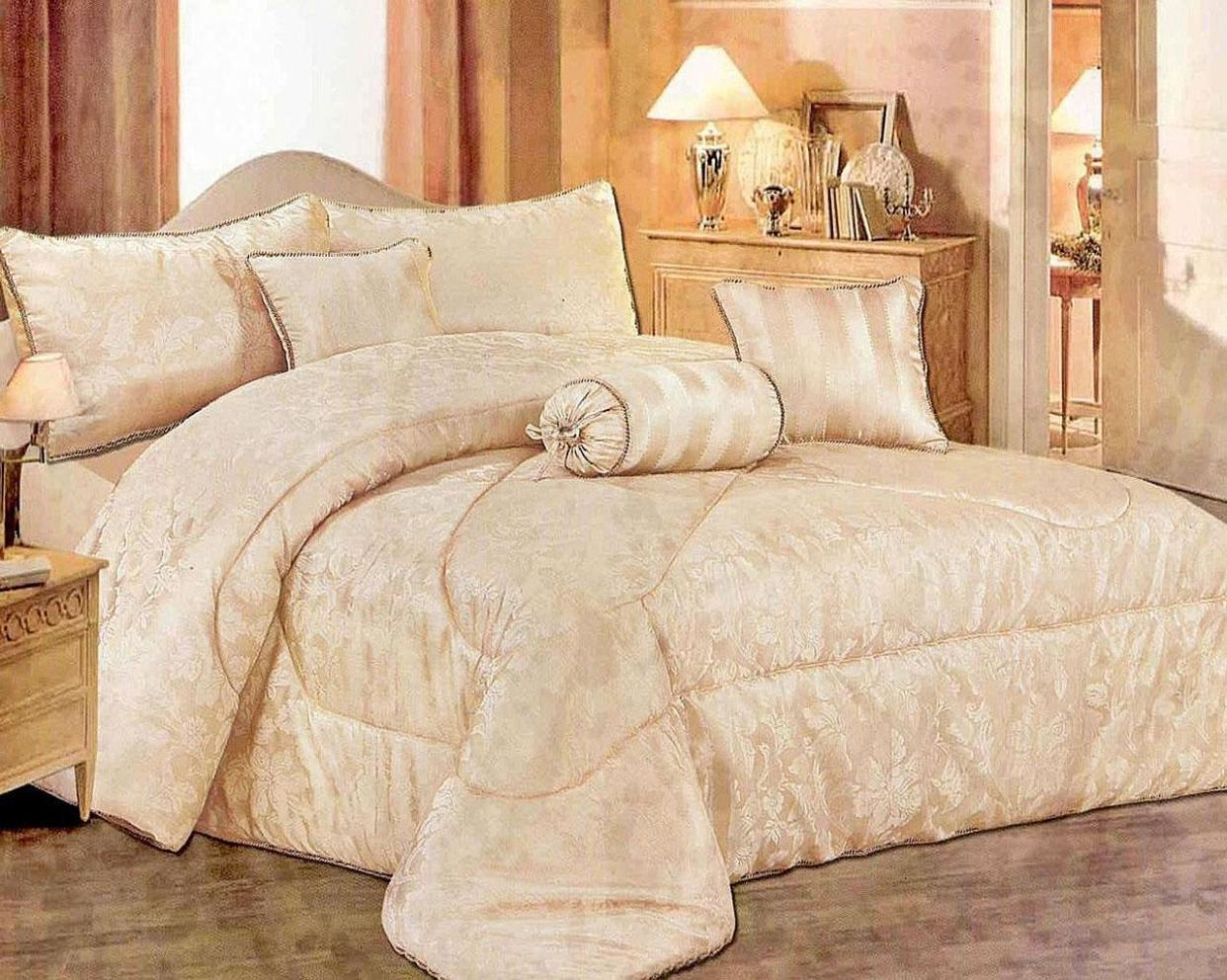 Image of: Quilt Bedspread Sets