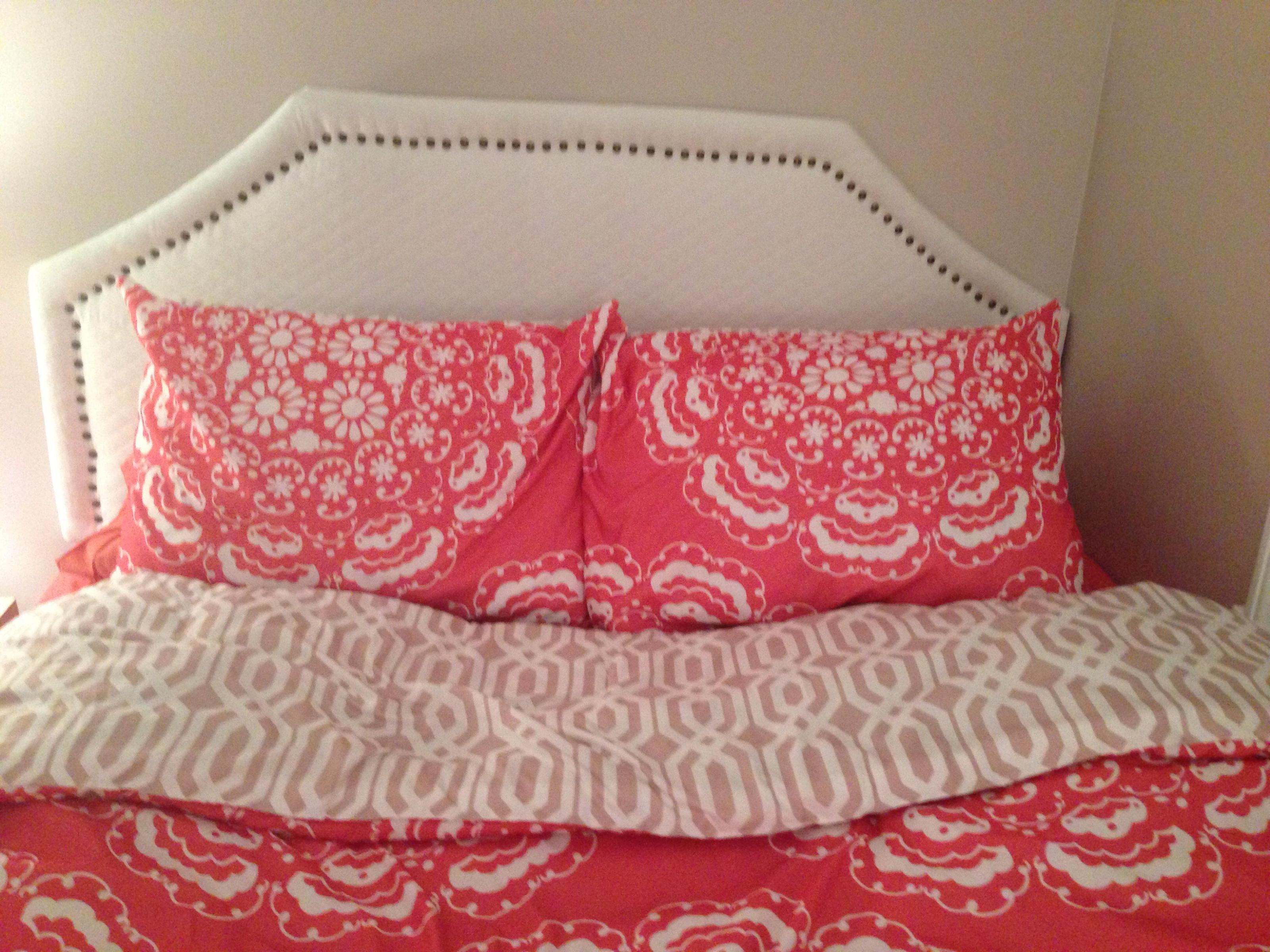 Image of: Quilted Headboards For Beds