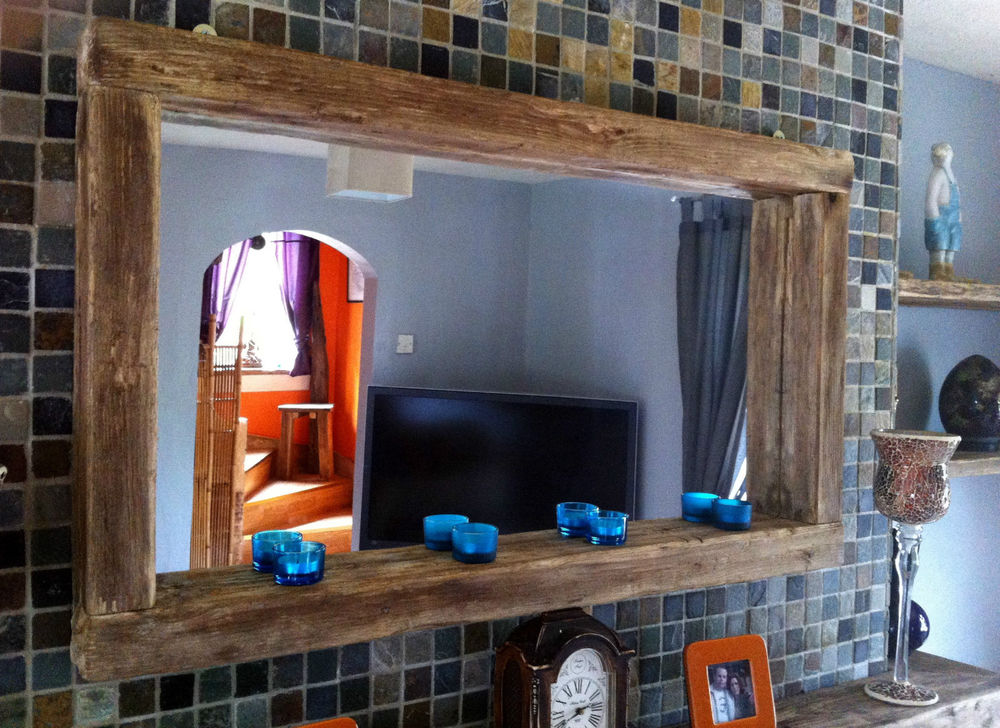 Image of: Reclaimed Wood Mirror Frame Long