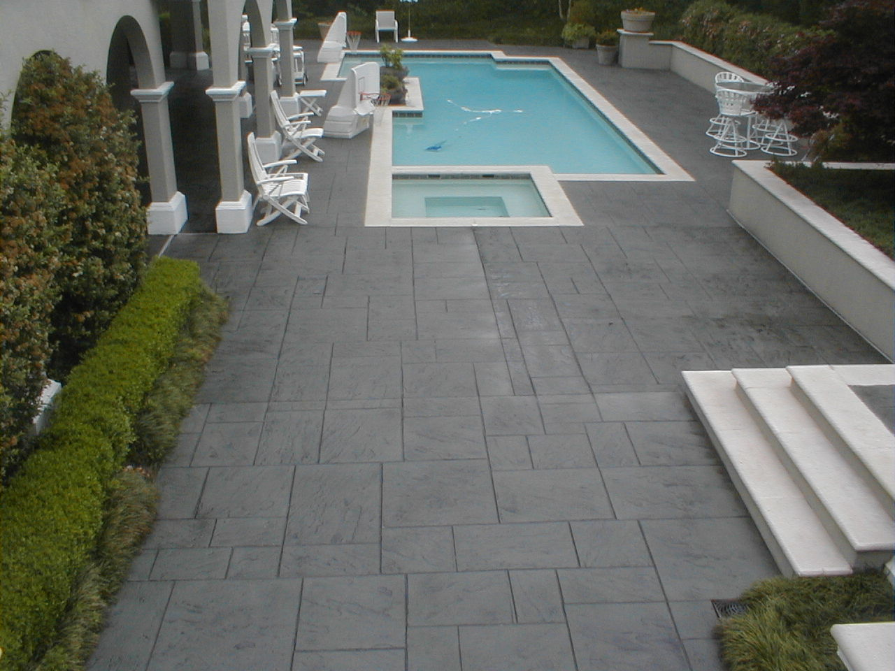 Image of: Resurface Pool Deck Ideas