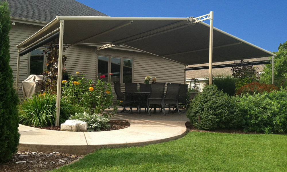 Image of: Retractable Patio Awning Design Ideas