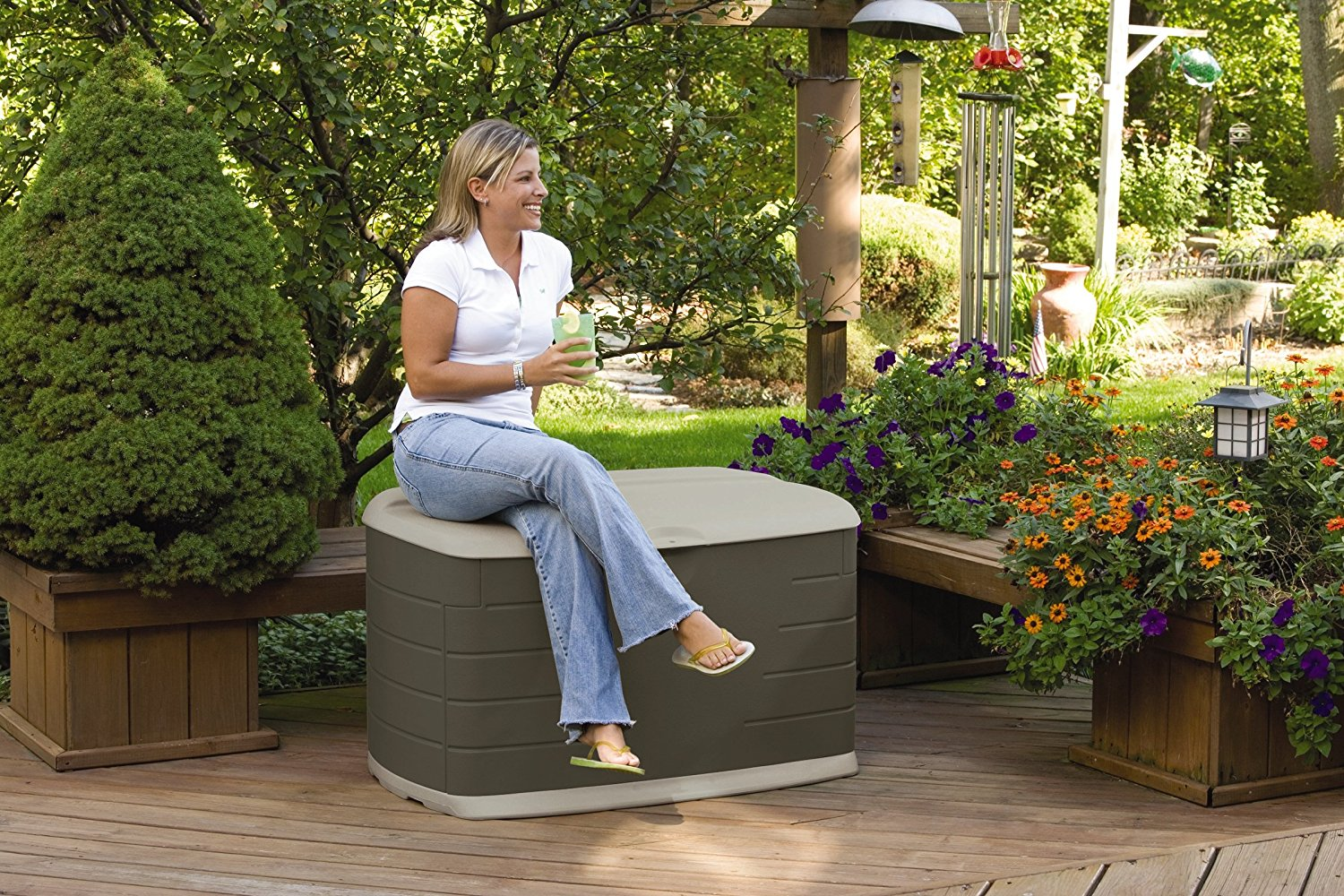 Image of: Rubbermaid Deck Storage Seat