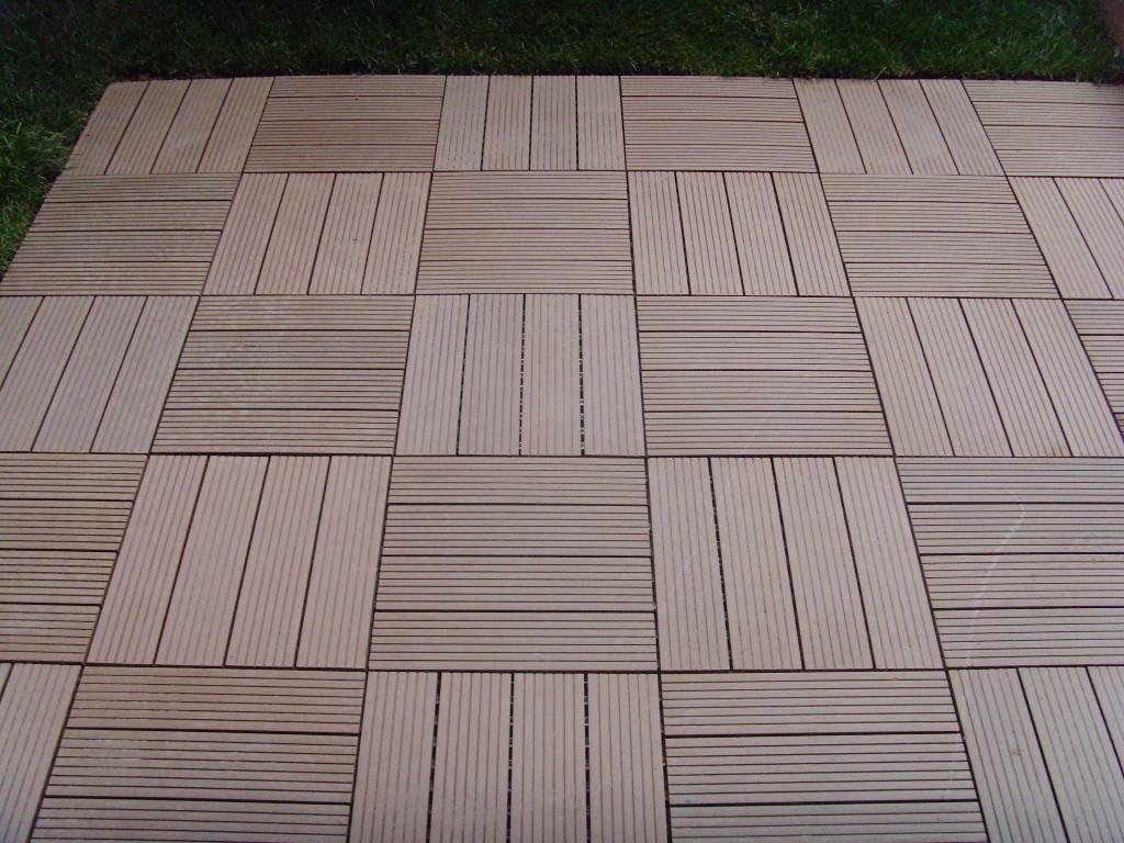 Image of: Runnen Floor Decking Wooden