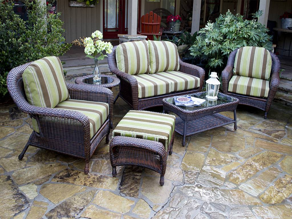 Image of: Seating Wicker Patio Set