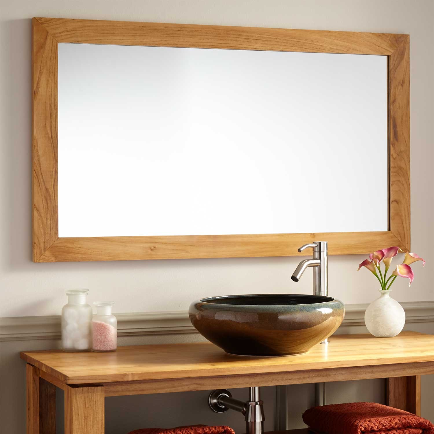 Image of: Simple Bathroom Mirrors