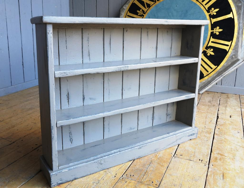 Image of: Simple Distressed Bookcase