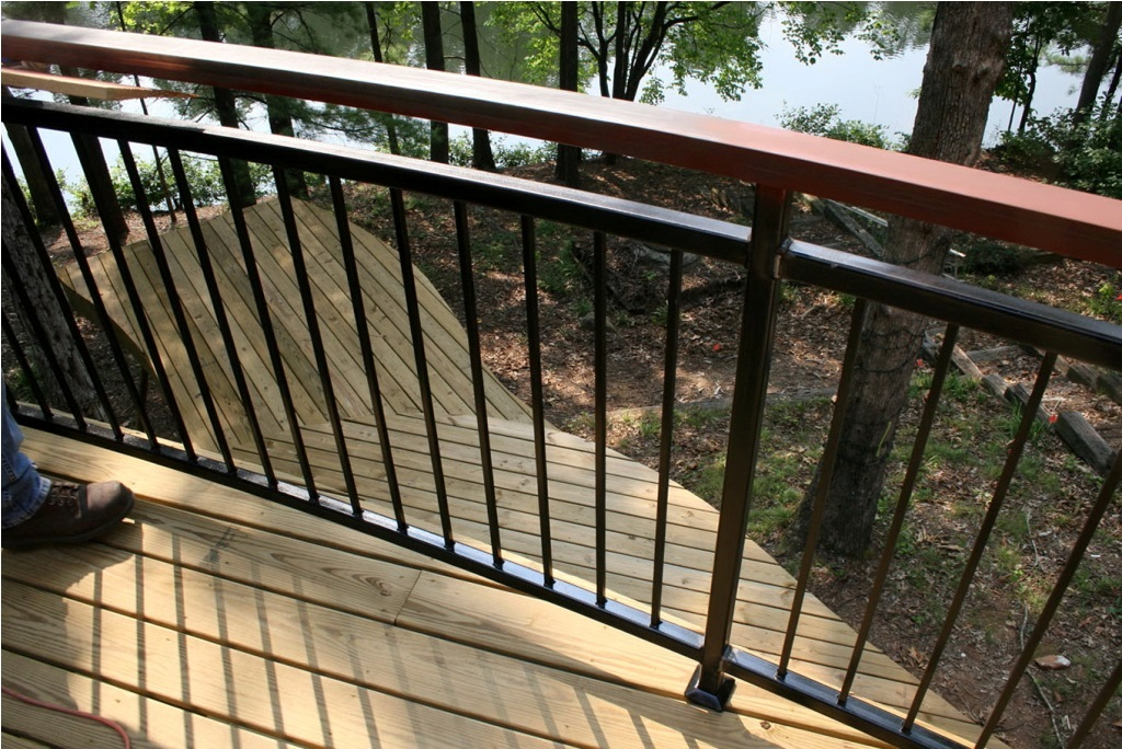Image of: Simple Metal Deck Railing Ideas