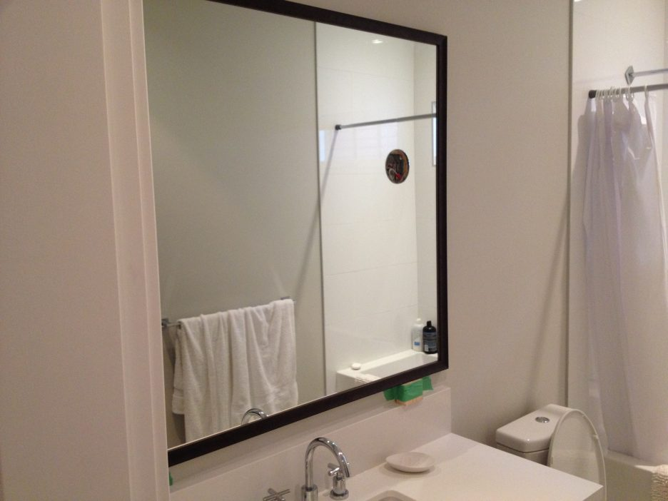 Image of: Simple Wood Framed Mirrors