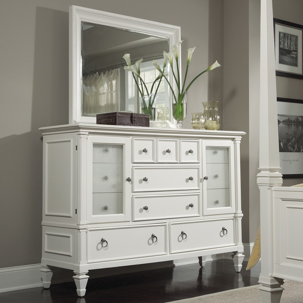 Small Dresser with Mirror Style