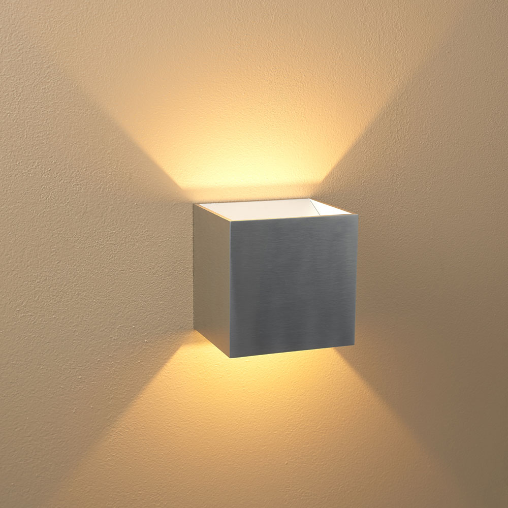Image of: Small Outdoor Wall Sconce