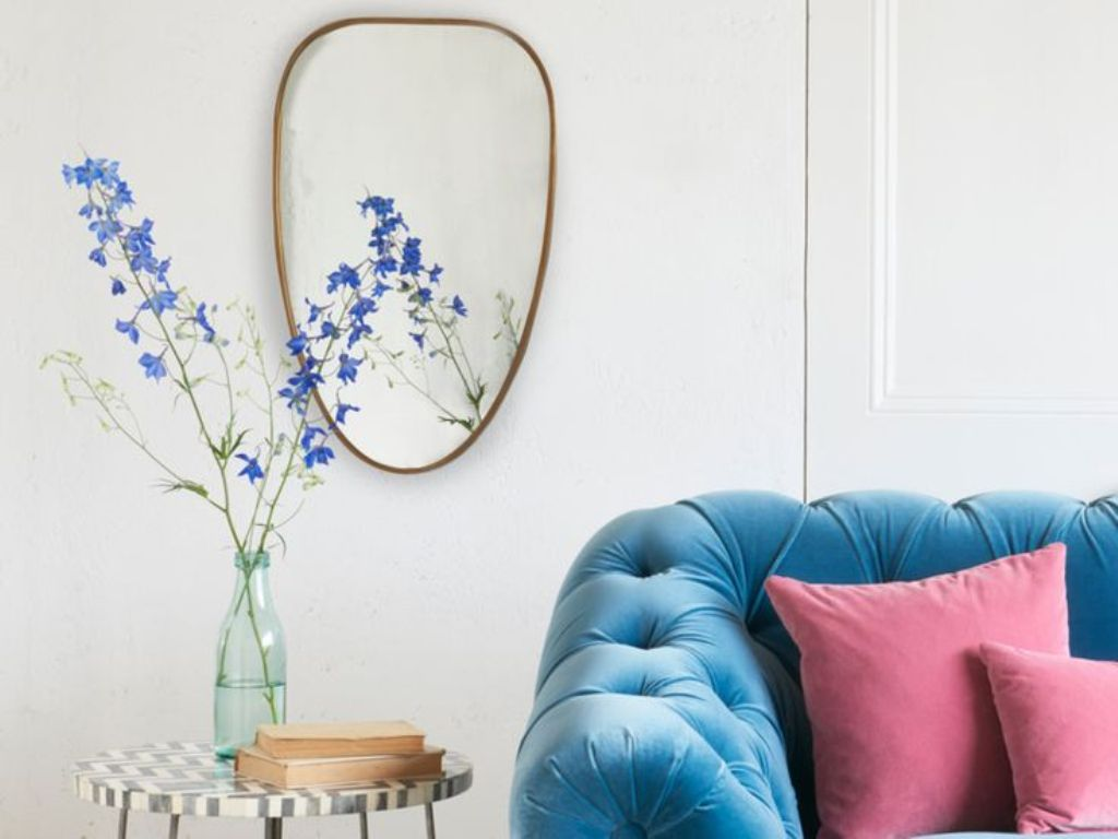 Image of: Small Wall Mirrors Decorative