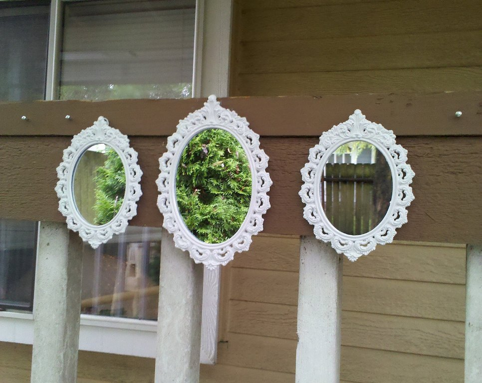 Image of: Small Wall Mirrors for Bathrooms