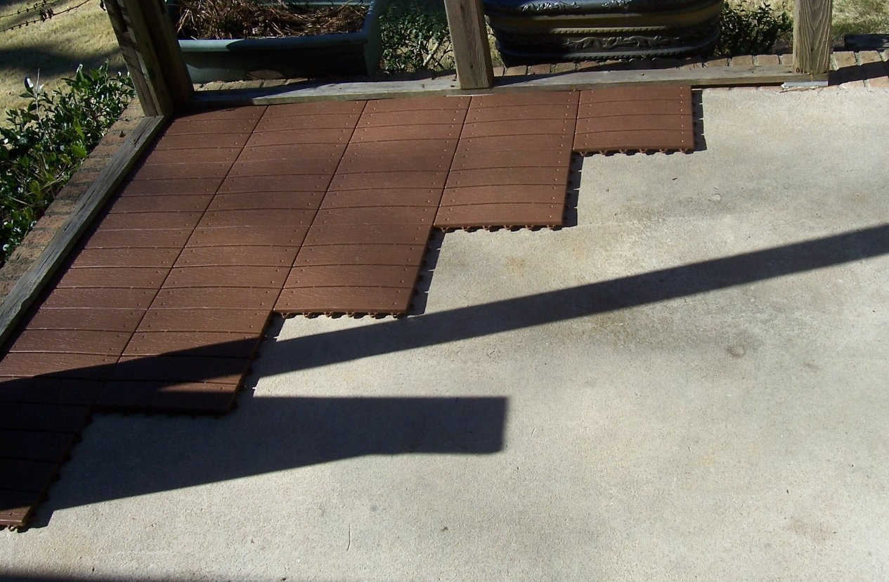 Image of: Snap Together Deck Tiles Cheap