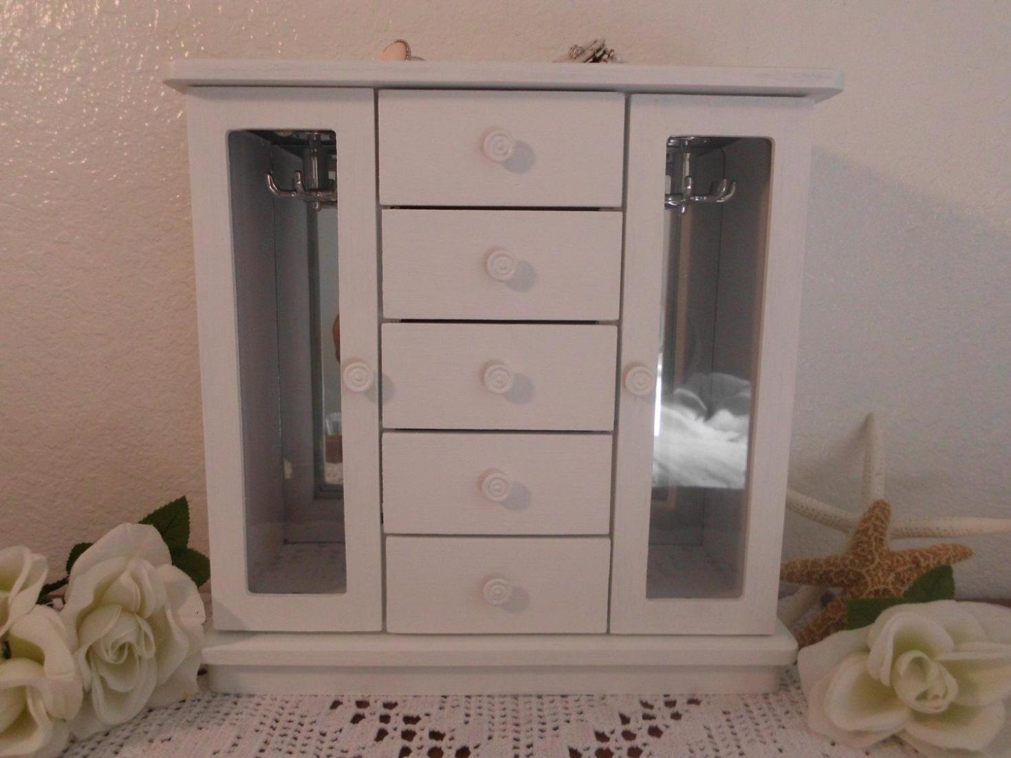 Image of: Stand Up Mirror Jewelry Armoire