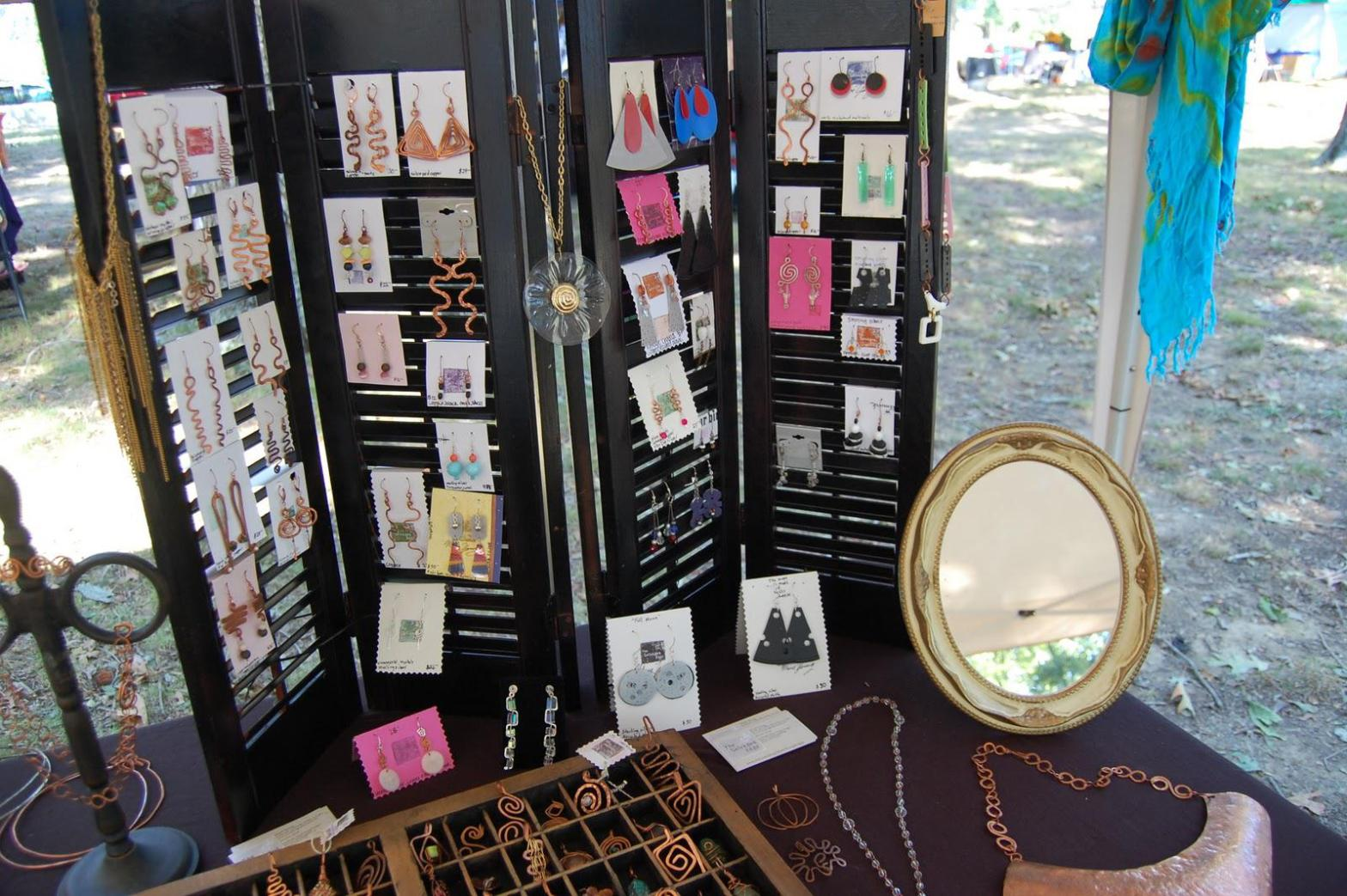 Image of: Standing Jewelry Armoire Mirror