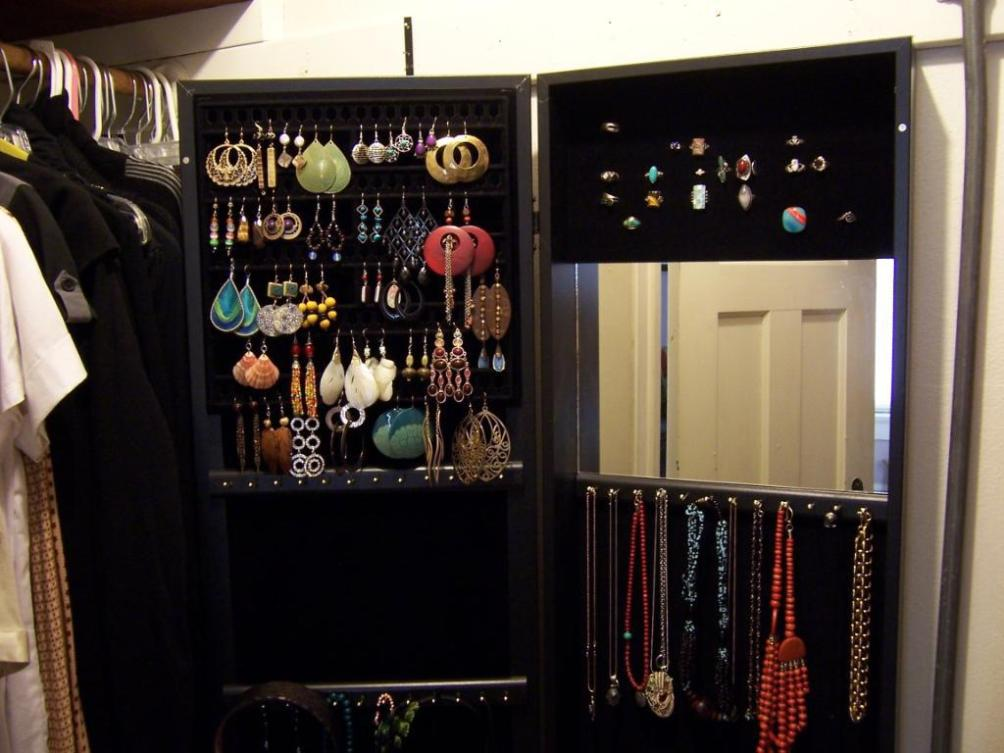 Image of: Standing Jewelry Armoire With Mirror