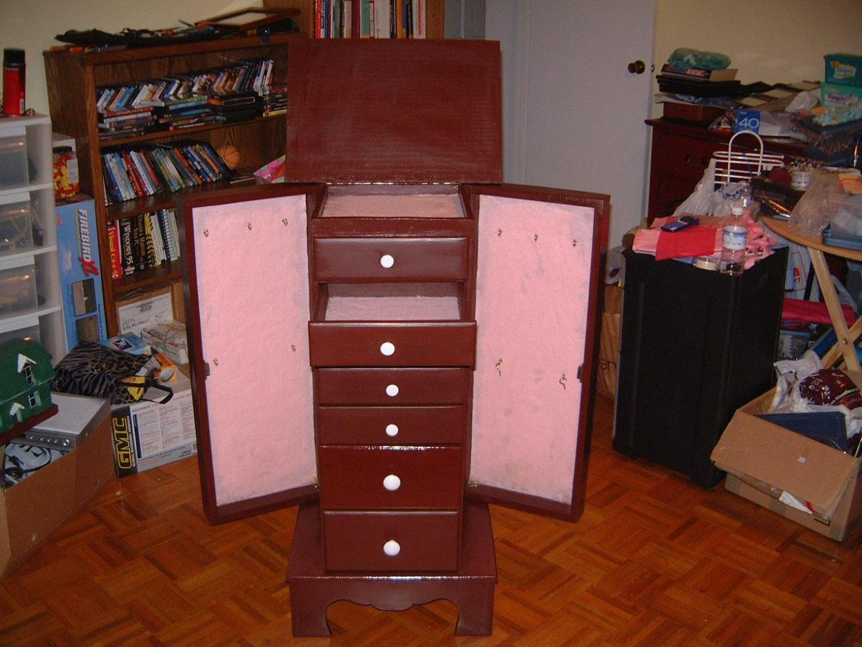 Image of: Standing Mirrored Jewelry Armoire
