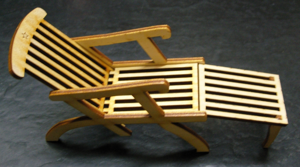 Image of: Star LineTitanic Deck Chair