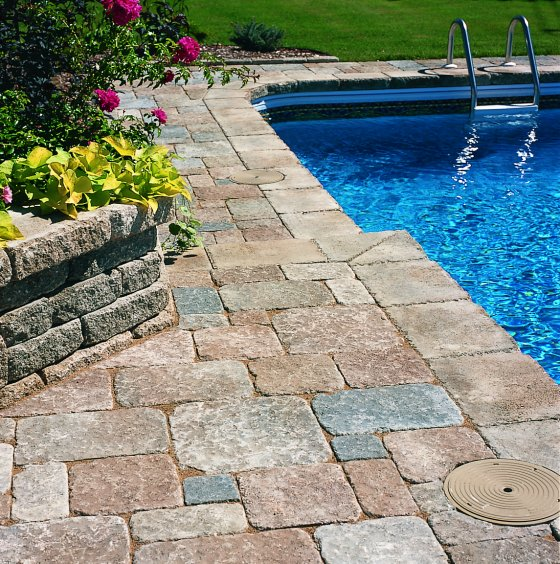 Image of: Stone Deck Tiles Pool