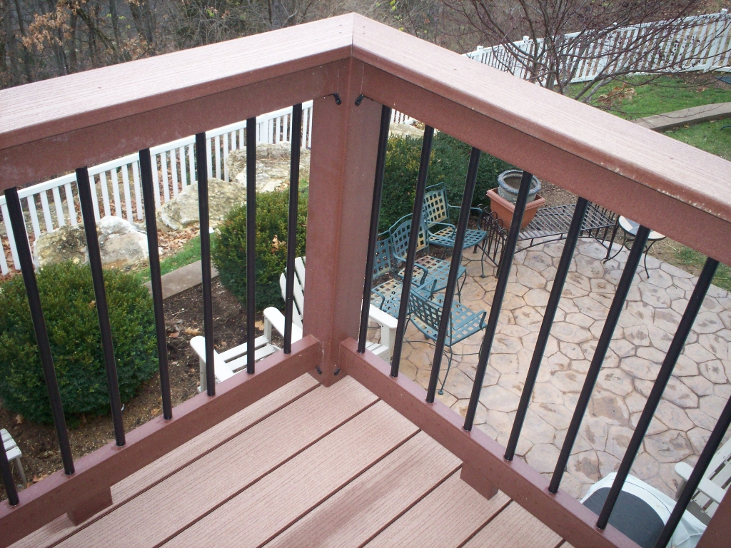 Strong-Metal-Deck-Railing-Ideas.