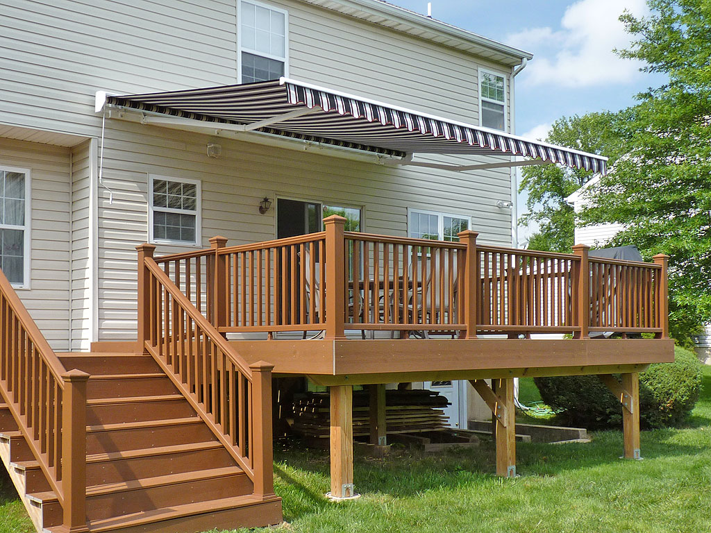 Image of: Stylish Retractable Patio Awning