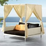 Sweet Outdoor Daybed
