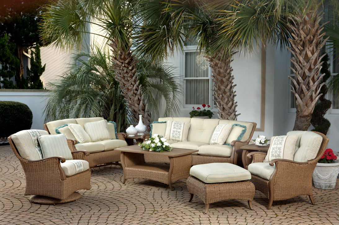 Image of: Sweet Wicker Patio Sets