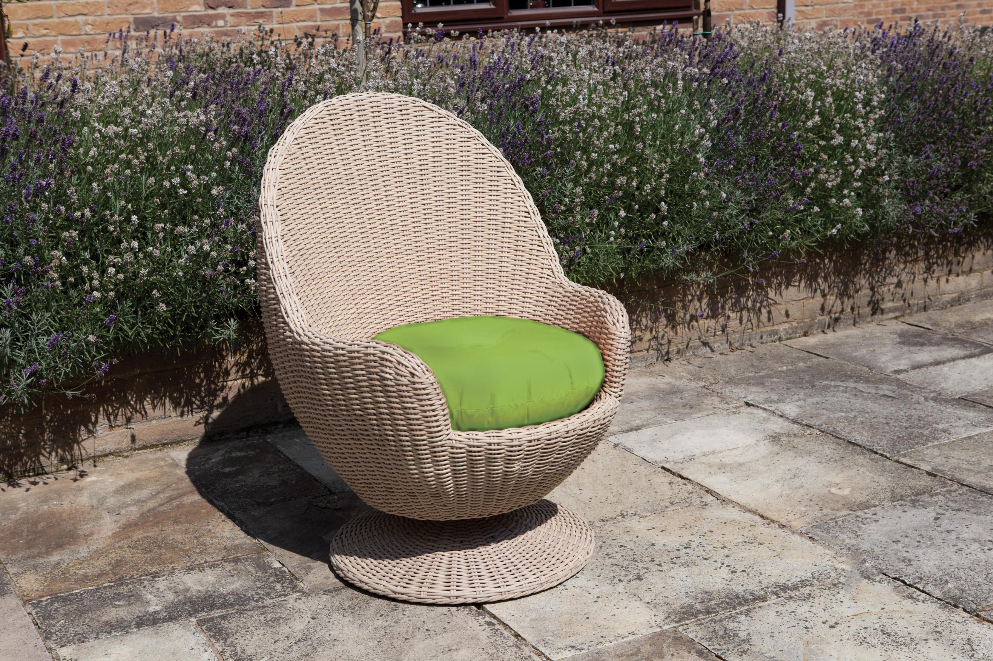 Image of: Swivel Wicker Patio Chairs
