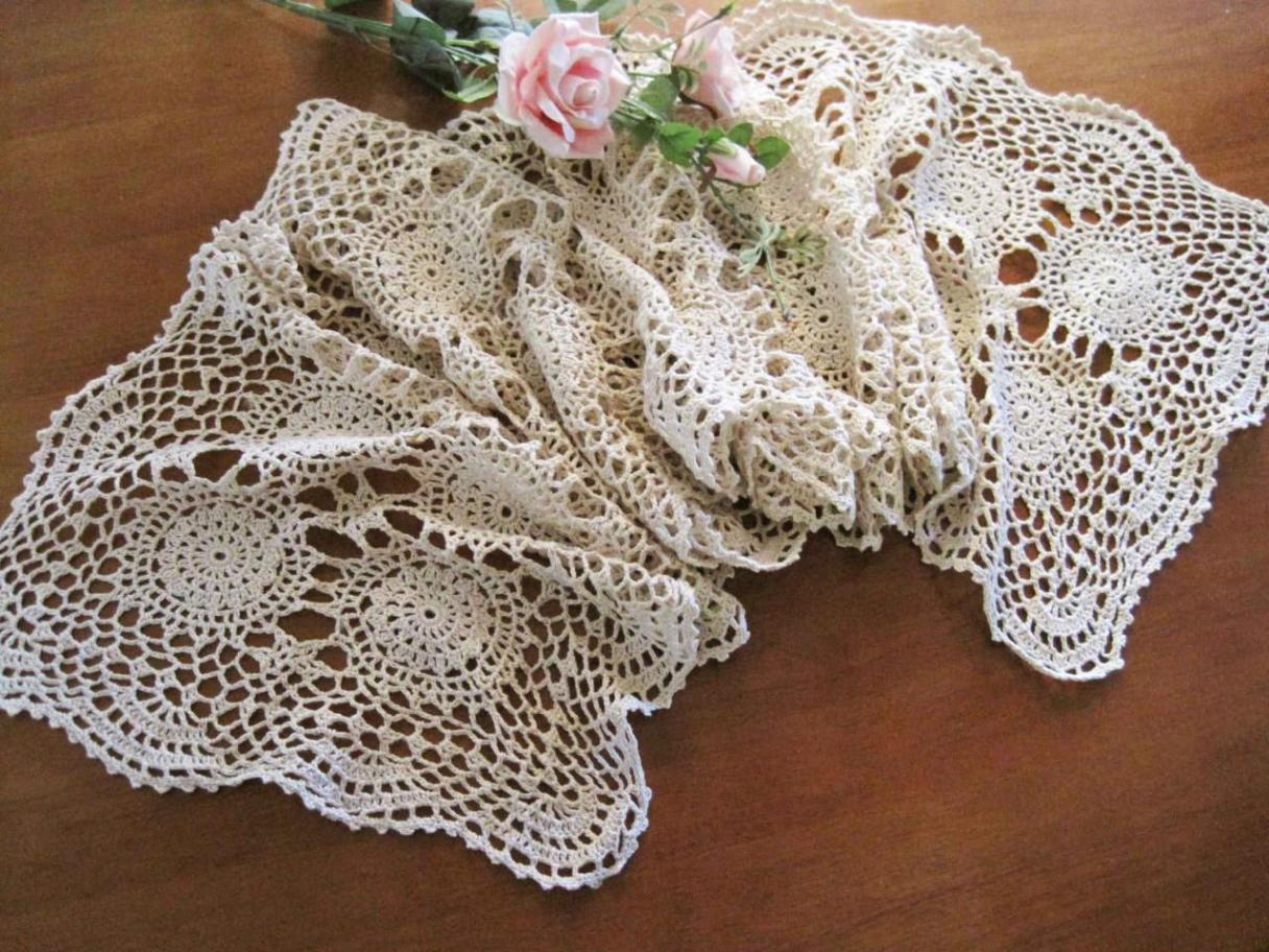 Image of: Table Runners For Weddings