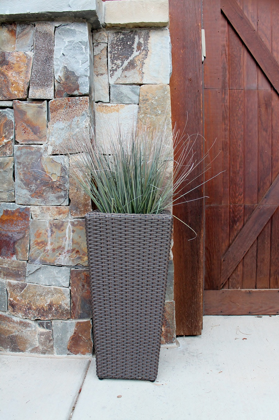 Image of: Tall Outdoor Planters Wicker Pots