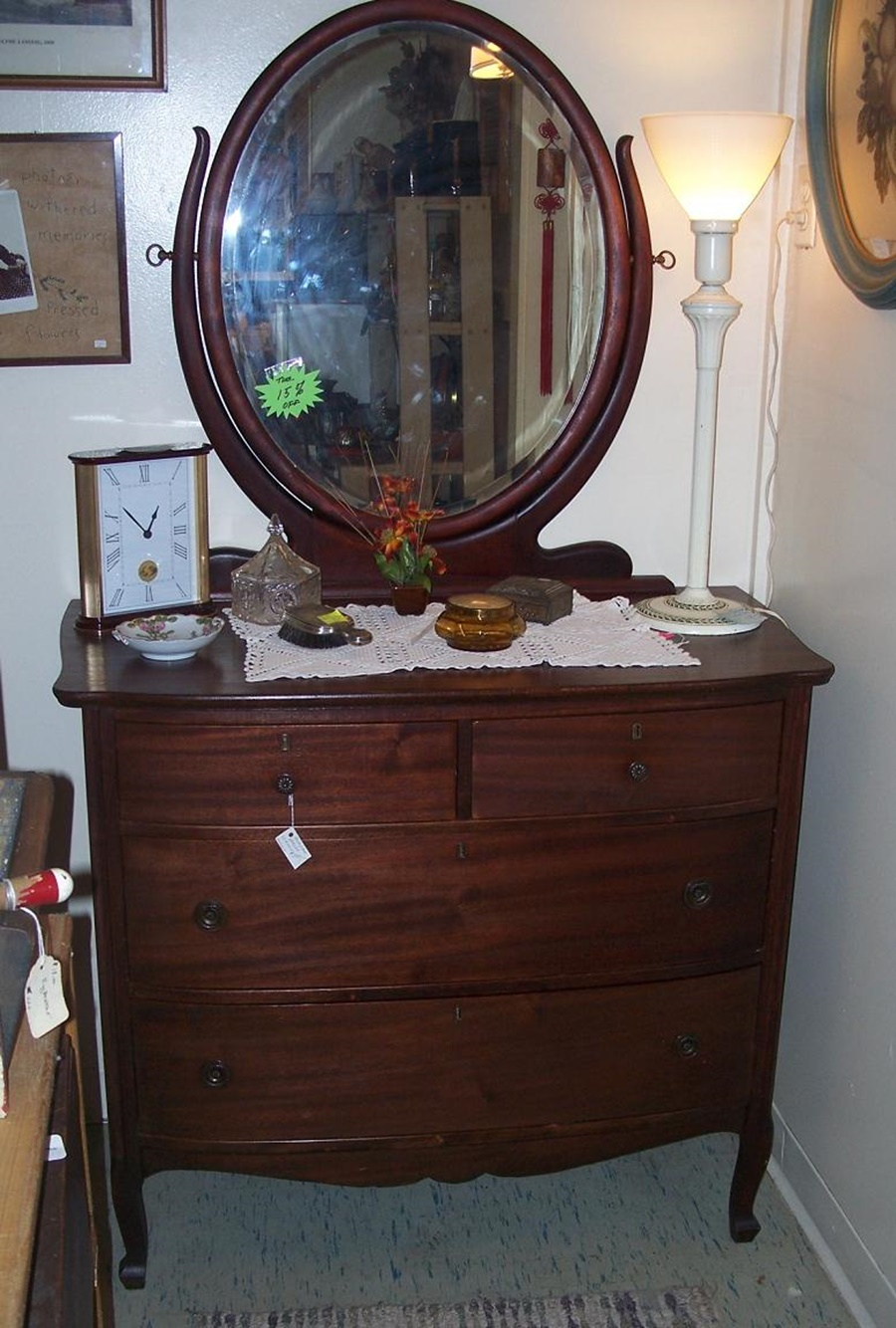 Image of: Top Antique Dresser With Mirror