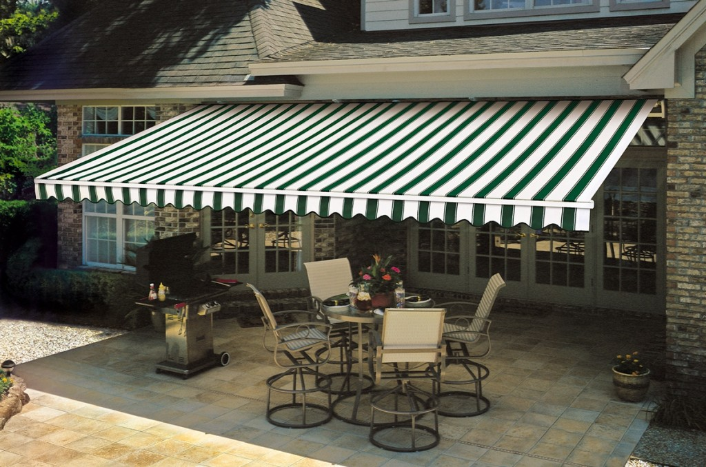 Image of: Top Retractable Patio Awning