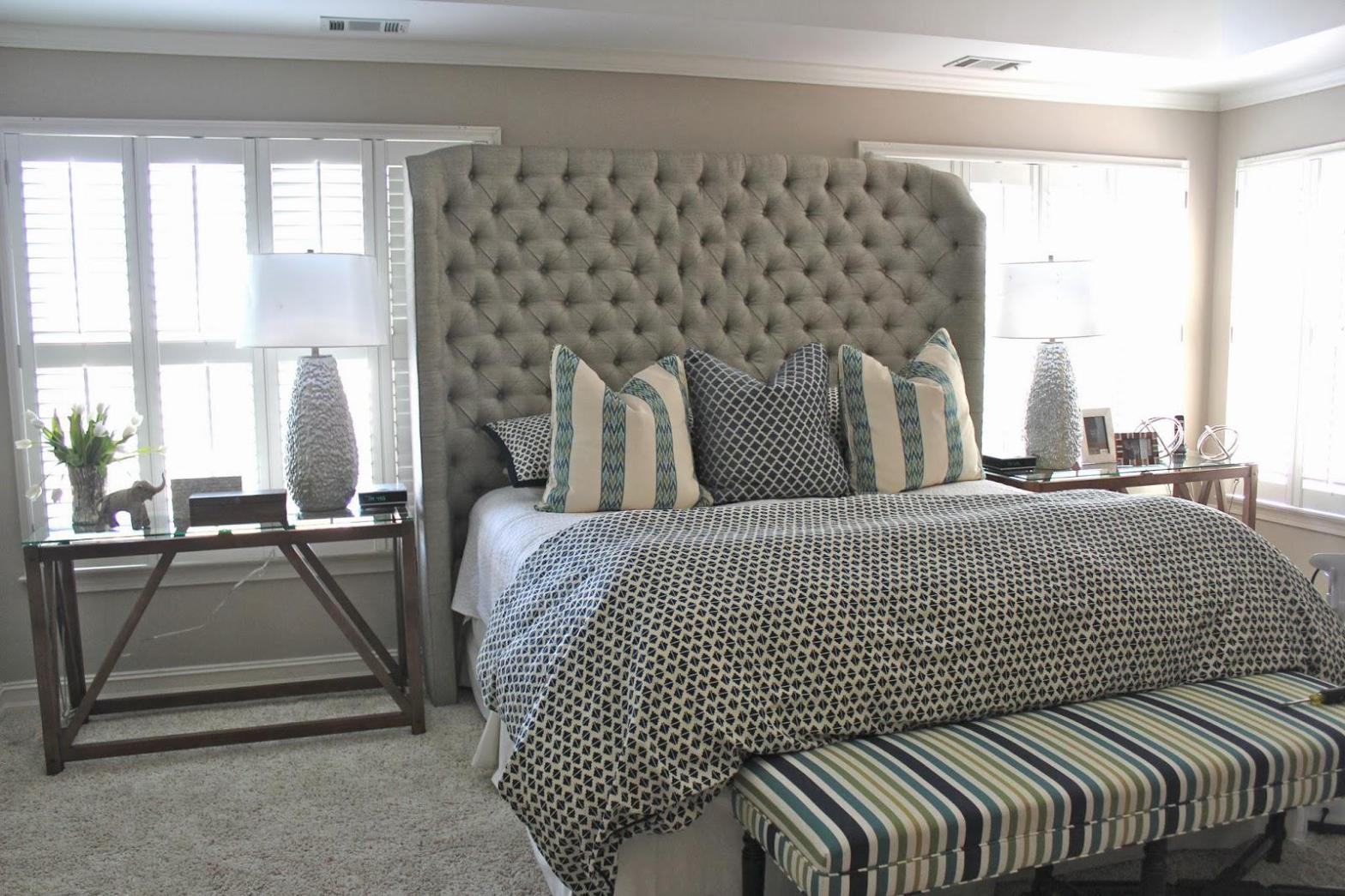 Image of: Tufted Headboard King Bed
