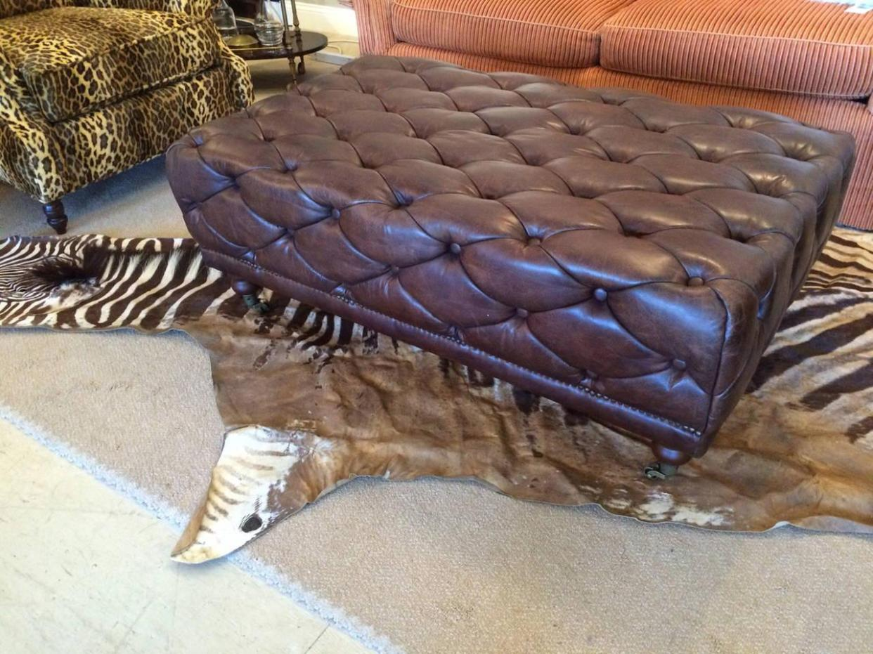 Image of: Tufted Leather Ottoman