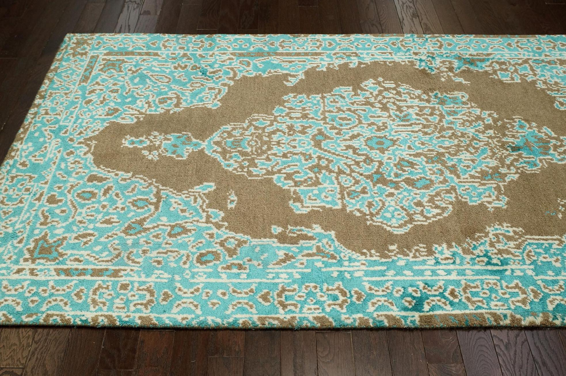 Image of: Turquoise And Brown Area Rug